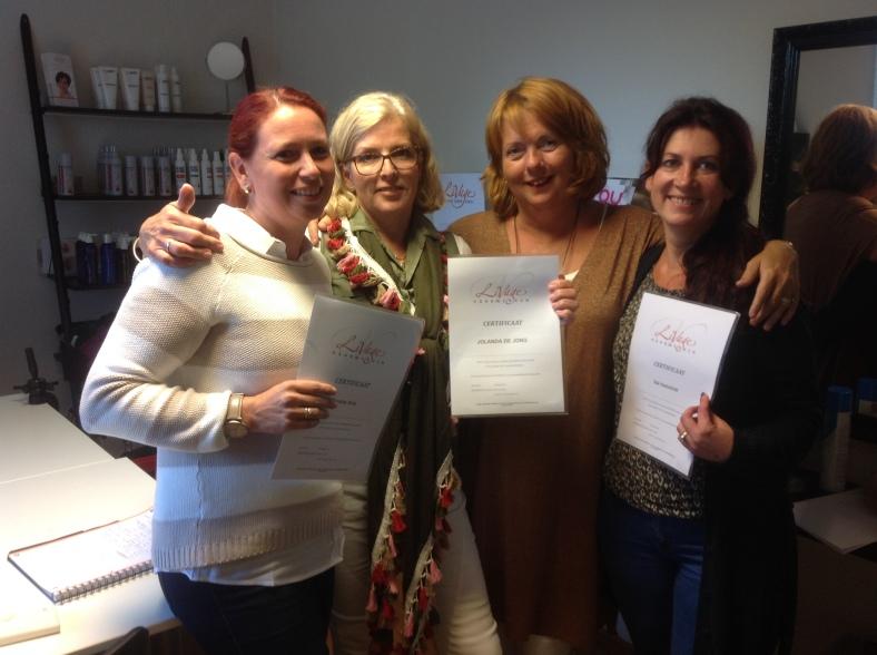 Sandra Artz, Jolanda de Jong, seminairleidster Anita Vos en Iza Hemmink